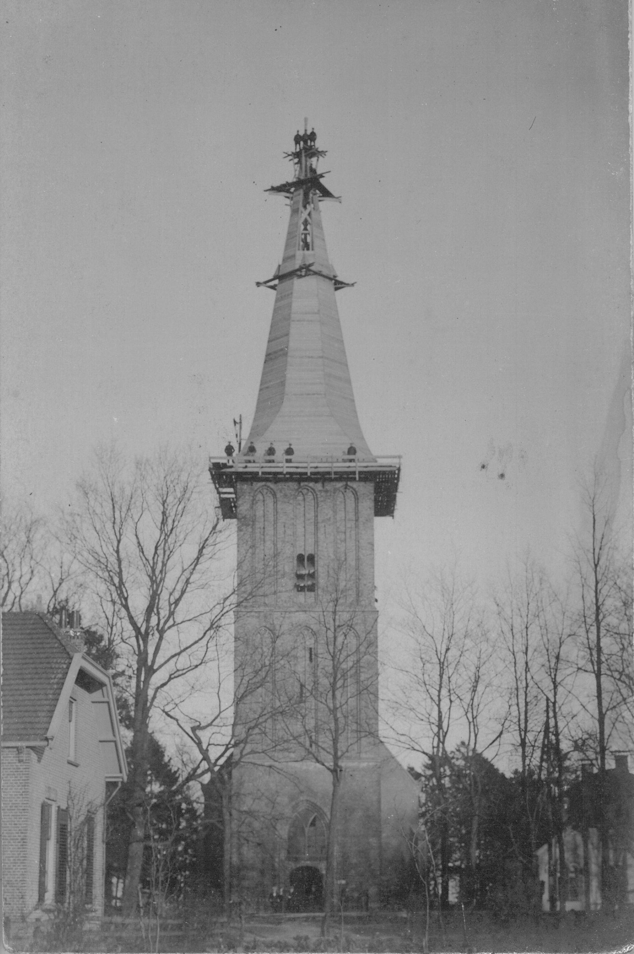 Bouwwerkzaamheden nieuwe toren NH-kerk Sleen