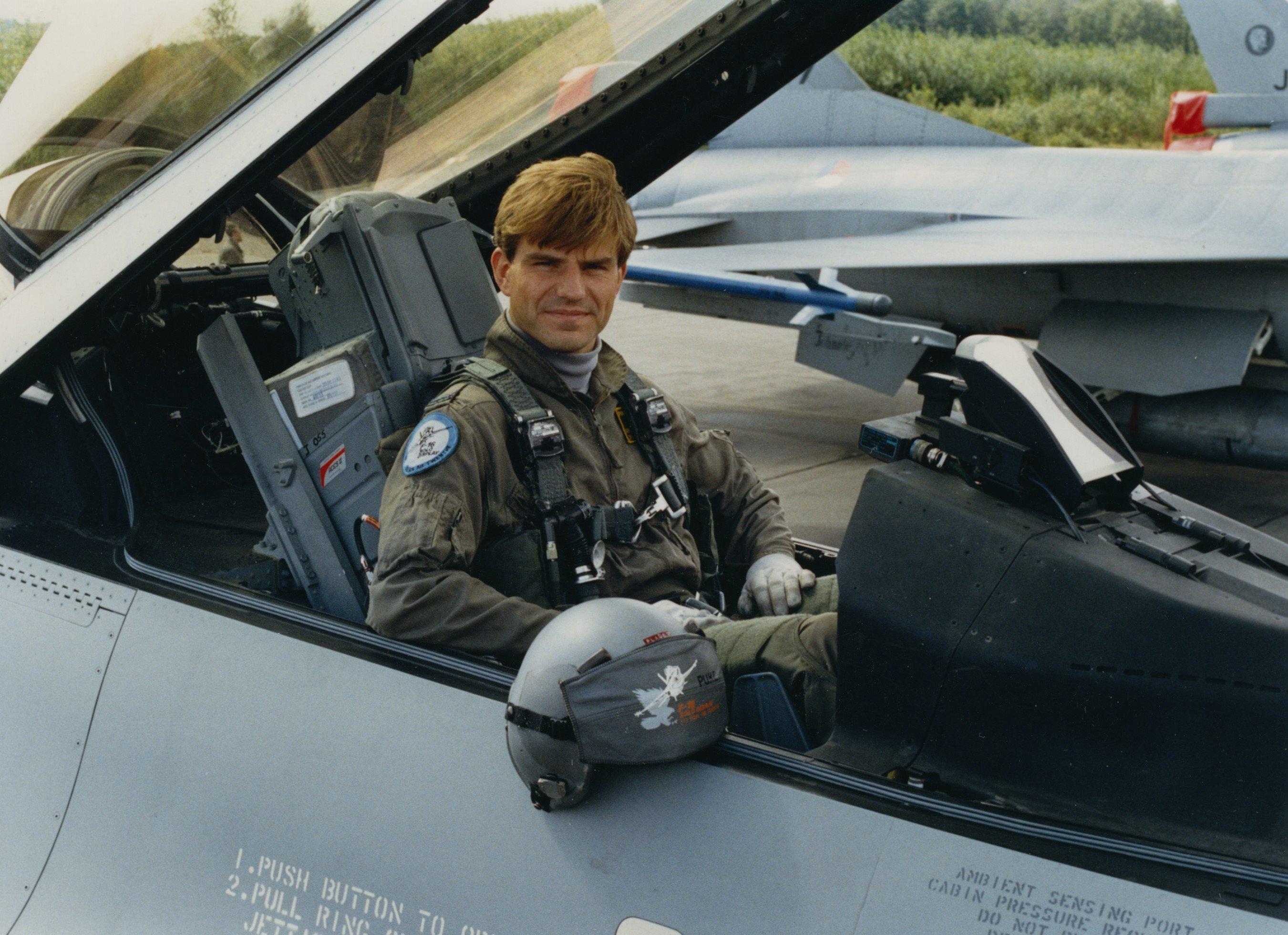 Luitenant Pladet in de F-16 via Beeldbank Min. van Defensie