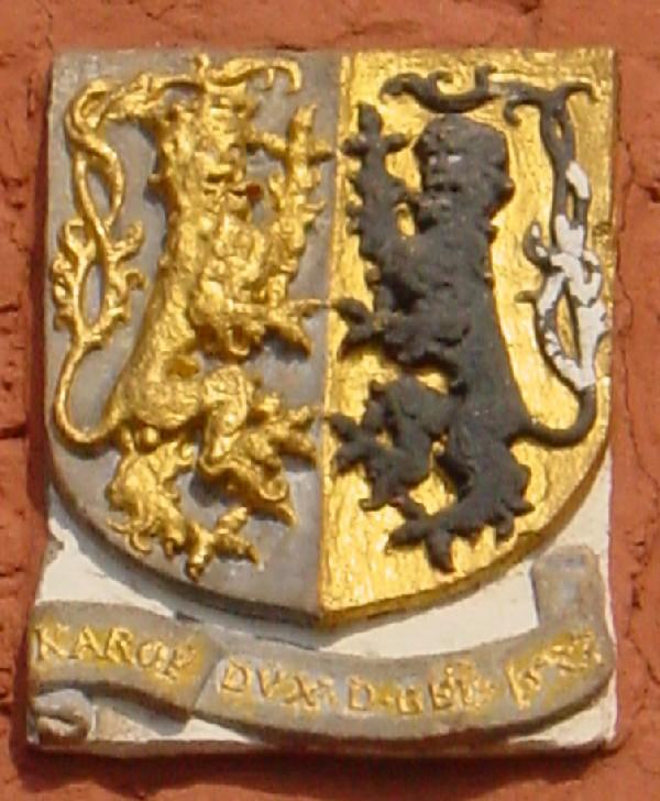 Wapen Hertog van Gelre op de muur van het kasteel