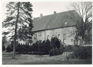 Zuidwestzijde met tuin